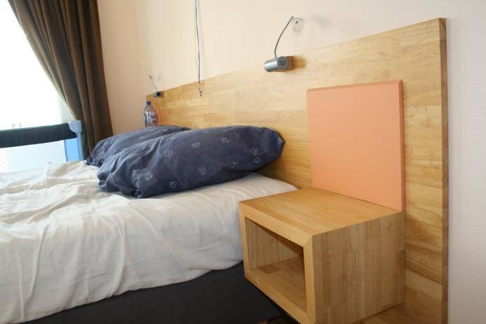 Đầu giường bằng gỗ cao su ghép thanh