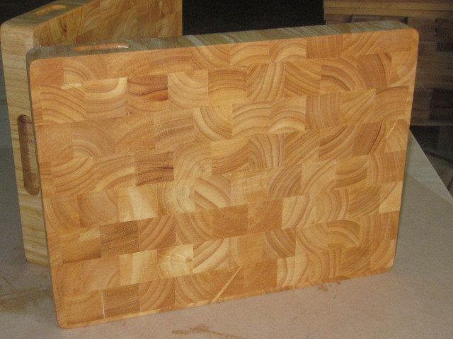 Thớt gỗ cao su ghép thớ lật
