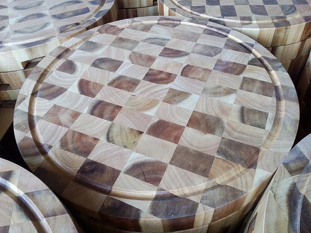 Ghép thớt gỗ cao su và gỗ Tràm