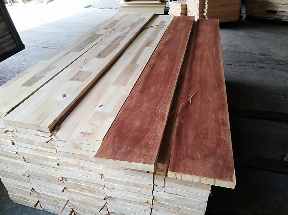 Vai giường gỗ ghép cao su 25 x 200 x 2000 mm
