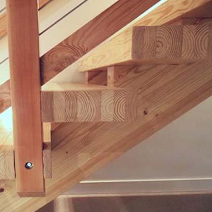 Mặt bậc cầu thang gỗ ghép thông